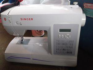 Singer Sewing Machine for Sale in Monroe, LA