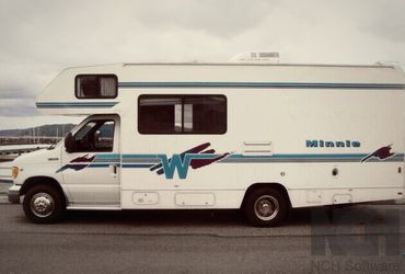 1999 Winnebago Winnie Class C for Sale in Miami,  FL