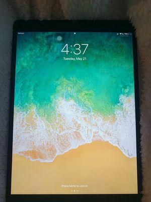 Barley used like new, 64 GB iPad Pro (10.5-inch) Verizon. for Sale in Wenatchee, WA