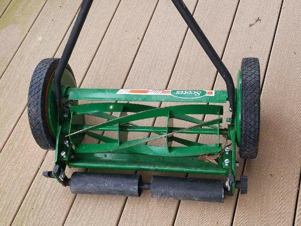 Scotts mechanical mower