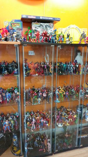Marvel Legends loose and packaged DC Universe Classics loose and packaged NECA figures loose and packaged for Sale in Phoenix, AZ
