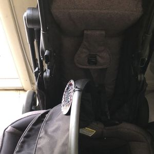 Free Stroller System Graco for Sale in Hialeah, FL