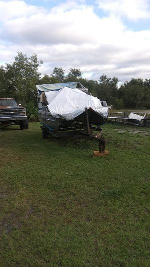 Landau18 ft pontoon for Sale in Lake Wales, FL
