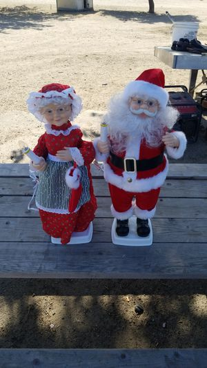 Vintage Pair Of Telco Motionette Mr & Mrs Claus for Sale in Lathrop, CA
