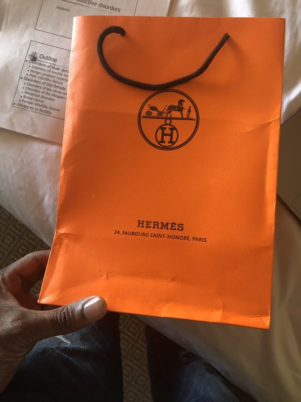 Hermès belt Paris! With all bags! Authentic. Like new.