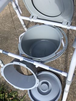 New Bedside Toilet for Sale in Kissimmee,  FL