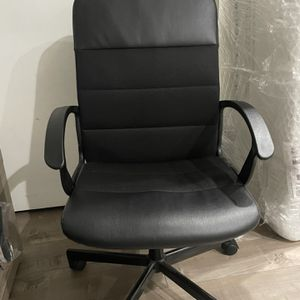 Black Office Chair In Great Condition for Sale in Los Angeles, CA