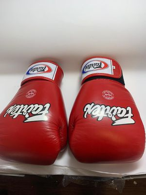 Fairtex Boxing Gloves Size 16 oz. for Sale in Glendale, CA
