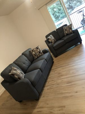 Love seat and sofa for Sale in Clovis, CA
