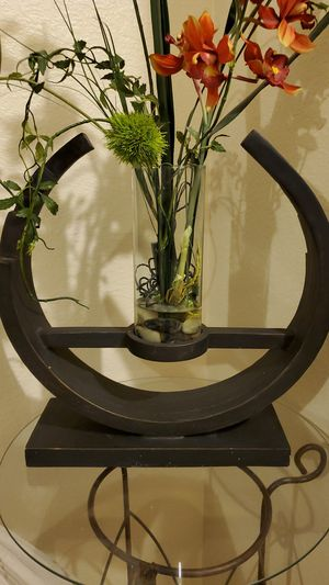 Vase holder stand for Sale in Mansfield, TX