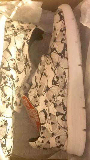 Vans butterfly sneakers white-black size kids 3y for Sale in Los Angeles, CA