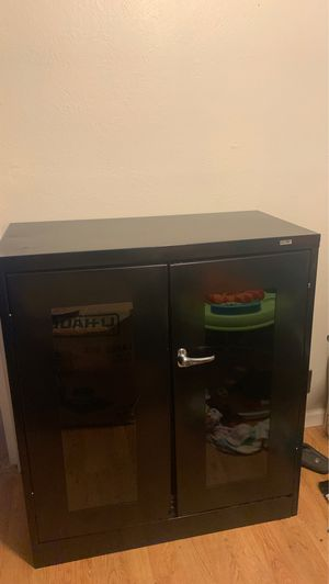 Cabinet with 3 adjustable shelves for Sale in Modesto, CA