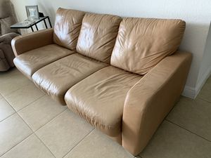 LEATHER SOFA for Sale in Miramar, FL