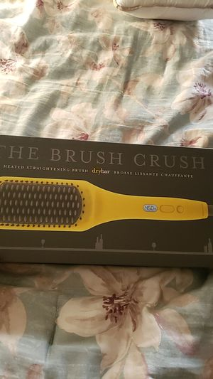 The brush Crush by dry bar for Sale in Bloomington, CA