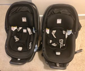 2 (twins) - Infant size peg perego car seat with base for Sale in Alexandria, VA