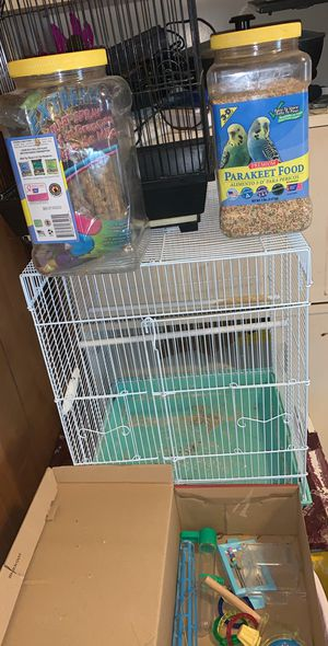 Bird cage EVERYTHING you need for parakeets including food treats and toys for Sale in Cleveland, OH