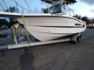 Boat Hydra sport Vector 27 Feet , great condition 580 hours twins 200s Español tambien for Sale in Fort Lauderdale, FL