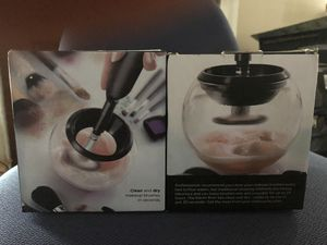 Makeup brush cleaner for Sale in Southgate, MI