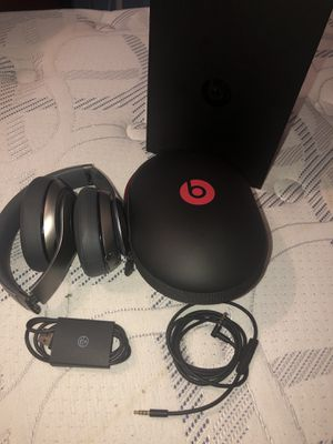 Beats by Dr. Dre Studio wireless for Sale in Tampa, FL