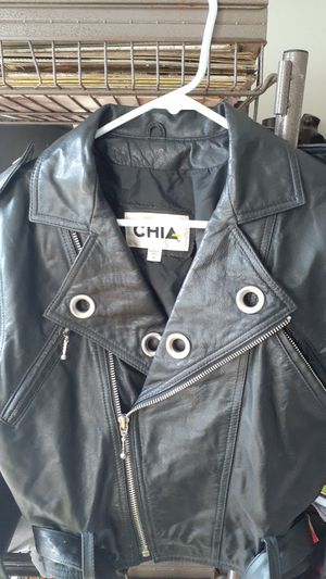 Chia leather cropped motorcycle jacket for Sale in Pompano Beach, FL