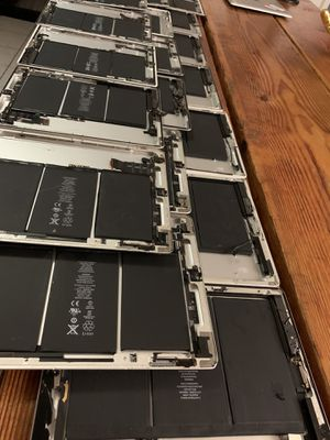 20 pcs Housing boards A1395 Apple iPad 2 Rear Housing Speaker Battery Cameras AS IS For parts only for Sale in Los Angeles, CA