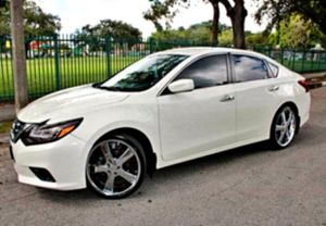 AM / FM STEREO '15 Altima SL for Sale in Philadelphia, PA