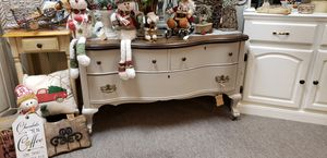 Antique tiger oak clawfoot dresser. for Sale in Puyallup, WA