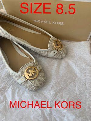 MICHAEL. KORS SIZE 8.5 $65 Dlls NUEVO ORIGINAL MICHAEL KORS for Sale in Fontana, CA