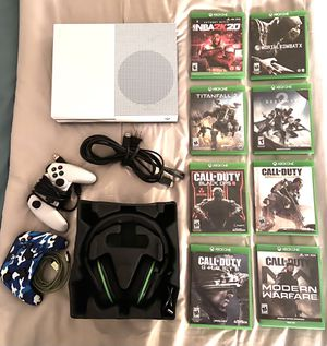 XBOX ONE Console / Games & Accessories Bundle for Sale in Tolleson, AZ