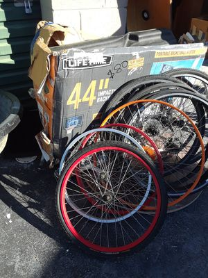 Basketball hoop ladder bikes recliner for Sale in Virginia Beach, VA