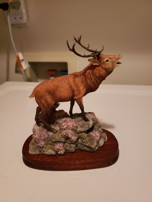 "Unique Resin ""Red Stag"" Statue on Wood Pedestal Made in Scotland by Border Fine Arts. for Sale in Kent, WA"