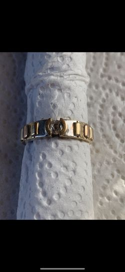 14k Yellow Gold Zirconia Ring Size 9.5 (Firm Price) for Sale in Lynwood,  CA