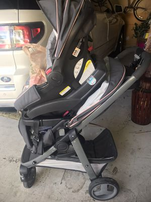 Graco click and connect for Sale in Lake Worth, FL