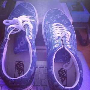 Vans supreme sneaker size 10.5 new never used for Sale in Clermont, FL