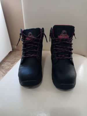 WOMENS STEEL TOE BLACK AND PINK WORK BOOTS for Sale in Covington, KY