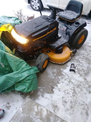Poulan pro tractor lawnmower for Sale in Denver, CO