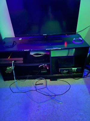 Tv stand for Sale in Sterling Heights, MI