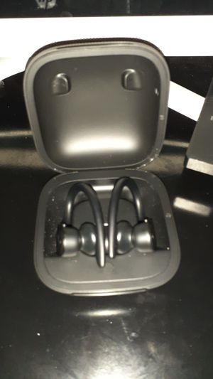 Powerbeats Pro for Sale in Kissimmee, FL