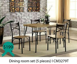 Dinning room set 5 pieces ( table + 4 chairs ) for Sale in Downey, CA