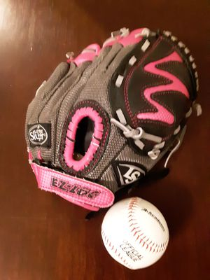 Child's Pink Baseball Mitt for Sale in League City, TX