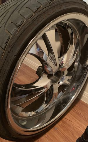 4 matching 5 lug 22' rims for Sale in Beverly Hills, TX