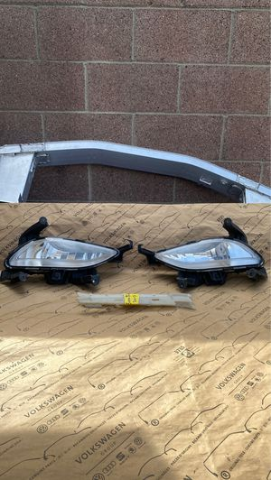 USED Genuine OEM PAIR of Fog Lights for 2011-2013 Hyundai Sonata for Sale in Gardena, CA