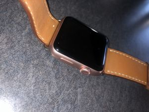 Apple Watch Rose Gold (42 mm Aluminum) 8 GB - Used for Sale in Los Angeles, CA