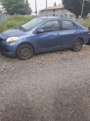 Toyota yaris 2009 1 owner runs and drive good for Sale in Tacoma, WA