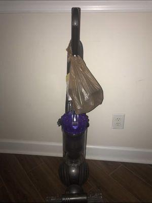 Dyson Slim Ball Multi Floor Bagless Upright Vacuum for Sale in Lawrenceville, GA