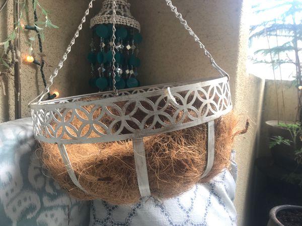 2 hanging planter baskets