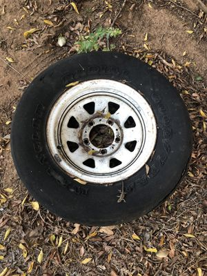 Free ford bronco f150 rim tire wheel trailer + extra tire for Sale in Hickory Creek, TX