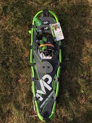 NWT Mountain Profile Snowshoes Package for Sale in Wenatchee, WA