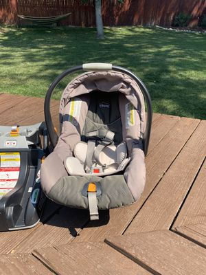 Chicco Keyfit infant bucket seat, car seat base and stroller caddy for Sale in Englewood, CO