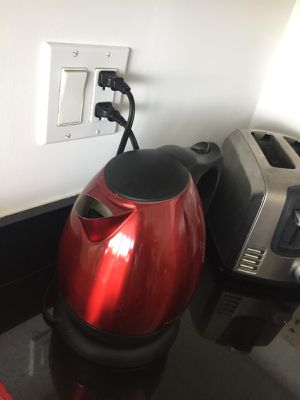 Water heater, toaster for Sale in Key Biscayne, FL
